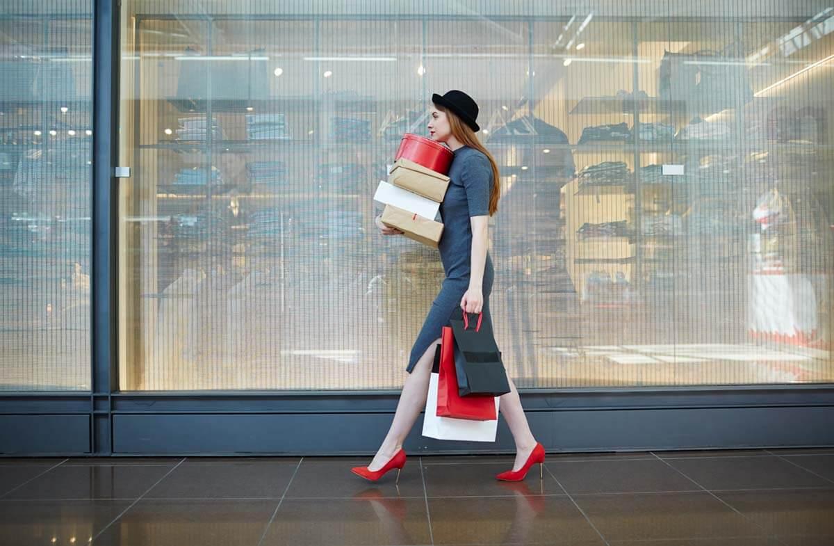 ebatesを使って買い物した女性