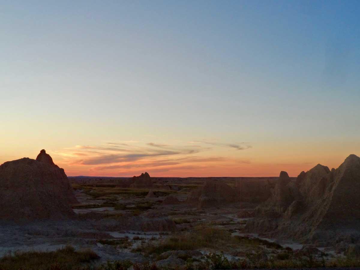 バッドランズ国立公園の夕日